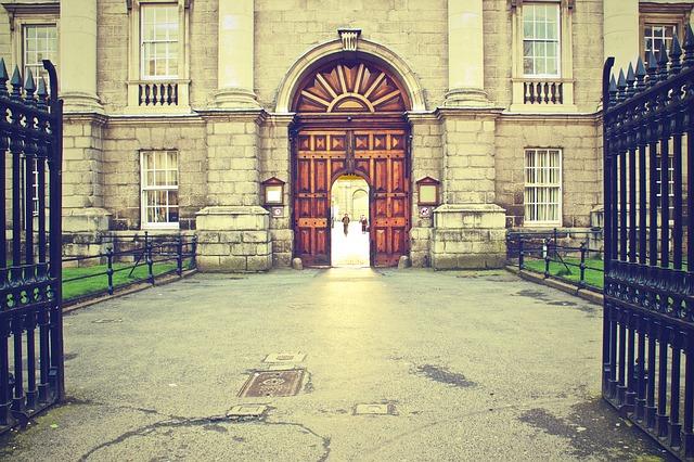 5 Nama Universitas Negeri di Perancis yang Terkenal