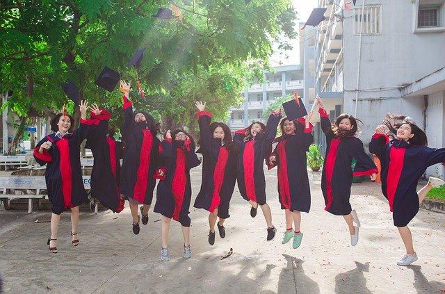 Bagaimana Cara Kuliah ke Luar Negeri dengan Beasiswa?