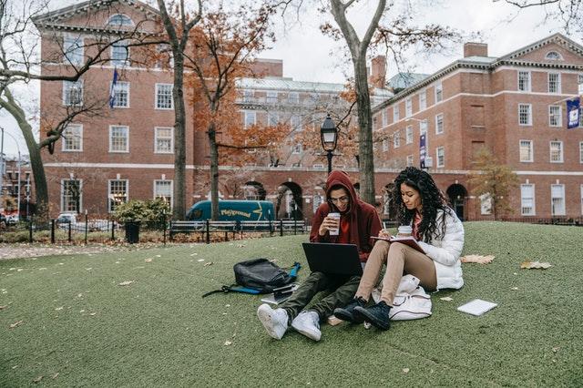 cara dapat beasiswa kuliah di luar negeri
